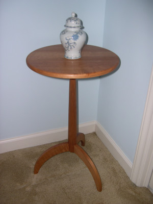 Howell Peterson Shaker tripod Table